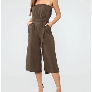 NWOT Fashion Nova Everyday cropped jumpsuit